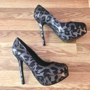 🛍 3 for $35! Colin Stuart Leopard Print Heels 8